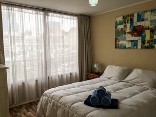 Cozy apartment with A/C next to METRO MONEDA.