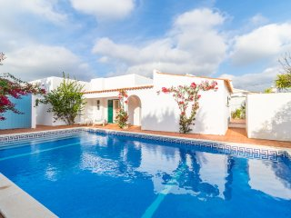 2 bedroom Villa in Carvoeiro, Faro, Portugal : ref 5239107