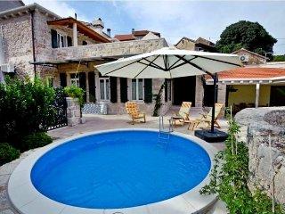 3 bedroom Villa in Vrbanj, Splitsko-Dalmatinska Županija, Croatia : ref 5222990