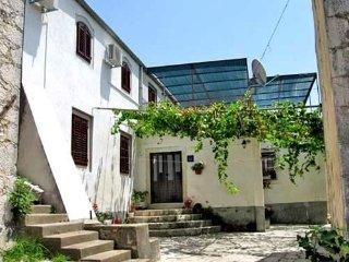 House Antun (53711-K1)