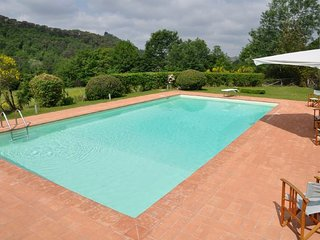 Calzaiolo Villa Sleeps 7 with Pool and WiFi - 5218441
