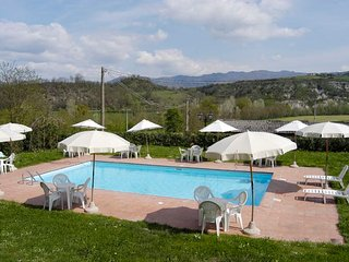 Vicchio Villa Sleeps 14 with Pool and WiFi - 5218260
