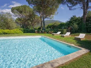 Lucca Villa Sleeps 11 with Pool Air Con and WiFi - 5218197
