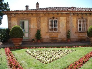 Lucca Villa Sleeps 15 with Pool Air Con and WiFi - 5218196