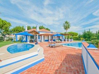 3 bedroom Villa in Olhos de Água, Faro, Portugal : ref 5218031
