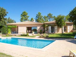 3 bedroom Villa in Saint-Paul-en-Forêt, Provence-Alpes-Côte d'Azur, France