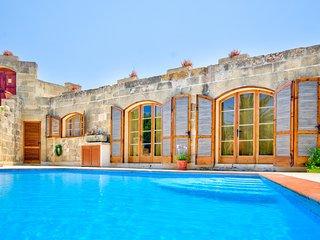 Zebbug Villa Sleeps 6 with Pool - 5217830