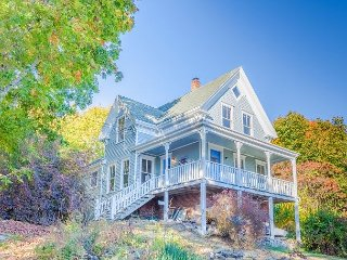 Renovated 4BR South Bristol Victorian on the Harbor with Water Views
