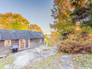 4BR Farmhouse + 1BR Cottage w/ New England Charm – Walk to Harbor
