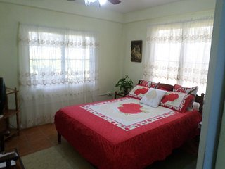 Cozy 2 BDR Apartment/ FREE Shuttle & Horseback Riding/ Near Airport/ Wifi/