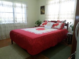 Cozy 2 BDR Apartment/ Near Airport/ Wifi/ Windy