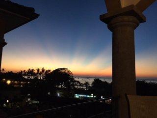 Tamarindo Sunrise 48, spacious penthouse panoramic ocean view and mountain view