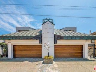 Malibu Flat Rock House