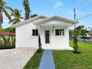 Miami Vista Villa: Short walk to the Miami Design District!