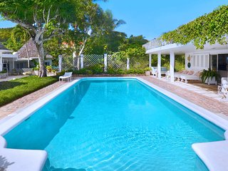BUTLER SERVICE! POOL! BEACH MEMBERSHIP! CHEF! Highland House - Montego Bay 4BR
