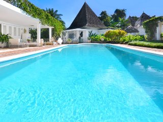 BUTLER SERVICE! POOL! CHEF! BEACH MEMBERSHIP! Highland House - Montego Bay 5BR