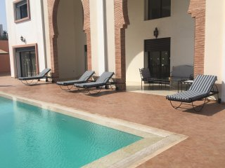 Wonderful Spacious 6 Bedrooms Villa with Private Swimming Pool  Ref: T62025