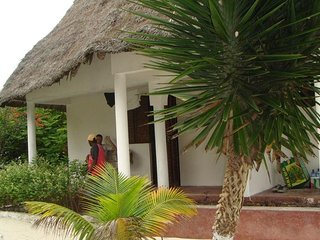 OASIS BEACH INN bungalow 8