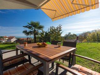 Villa D Bellavista - apartment D4+2 with pool