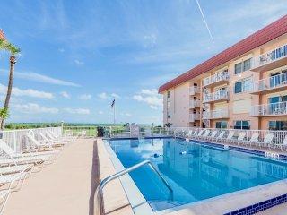Spanish Main's direct oceanfront heated pool.
