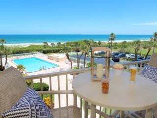 Direct Ocean Front - 3-bedroom Right On Beach - Brand New & Stunning!