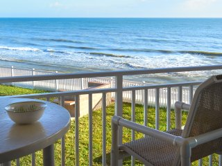 Perfect Getaway at this Spacious Oceanfront Beach Oasis