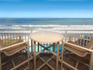 Penthouse - large balcony with Direct Oceanfront views