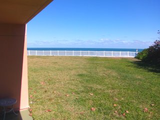 Updated Ground Floor Condo - Right on the Beach - Family & Pet Friendly