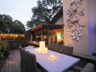 ROMANTIC Hill Country Ranch !!