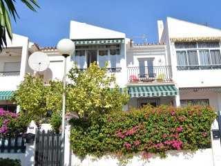 3 bedroomed south facing house, Almayate Bajo
