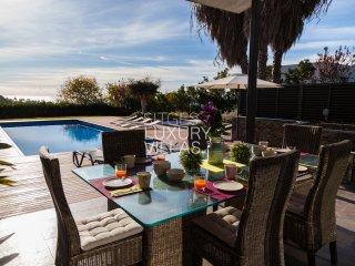 Villa Rut Sitges/Vilanova, a 13 minutos de Sitges. Indoor Heated Pool.