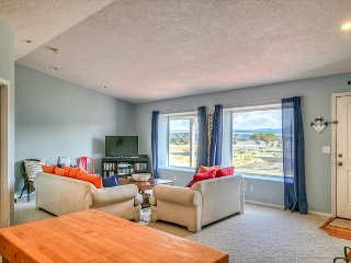 Gorgeous bay views from this updated modern pet friendly home!