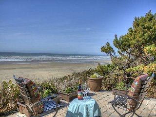Gorgeous-Modern Ocean Front Home with Gas Fireplace in Seal Rock!