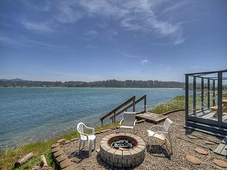 Bay front home, enjoy the views from the outdoor fire pit!