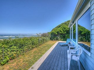 Endless views from this oceanfront home and pet friendly too!