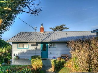 Oceanfront Home, Amazing Views, Pets Welcome- Seal Rock