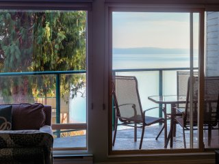 Gentle breezes fill our condo thru the patio doors, making summers quite comfortable.