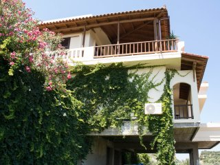Private 3 Bedroom House with Garden and Sea Views | Alexandra Villa Stalos