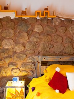 Bedroom, the ooriginal inka wall