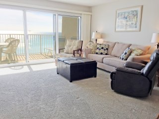 B402*BeachHouseCondo*ON the beach-Destin 2BR/sleeps7*2Pools*Tennis*Much more!