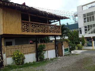 Anilao Dive Inn Hostel