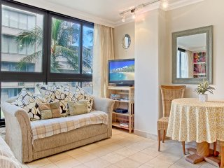 Waikiki Grand City View Studio w/Free Parking! #518