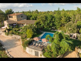 5 stars Provencal Mas-5mn village- 40mn sea- heated pool spa air cond. zipline