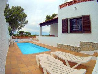 Impecable Casa con piscina privada, acogedora para 6 p con wifi