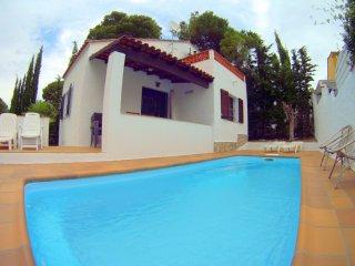 Villa Lin, bonita casa con PISCINA PRIVADA, WIFI, CLIMA, PARKING
