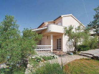 Villa Matiz on Krk with great garden and SEA VIEW! Welcome couples or families.