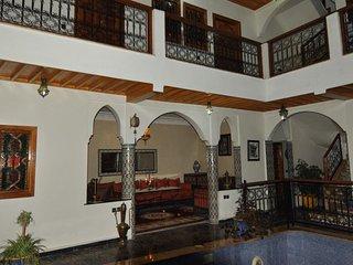 Riad la porte des 5 jardins Riad Laâroos
