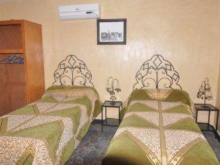 Chambres d hotes à louer dans riad la porte des 5 jardins quartier riad laaroos