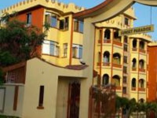 3 BEDROOM FULLY FURNISHED APARTMENT WITH AN SQ