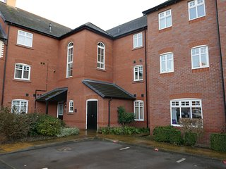 Nantwich Apartment Sleeps 6 with WiFi - 5627689